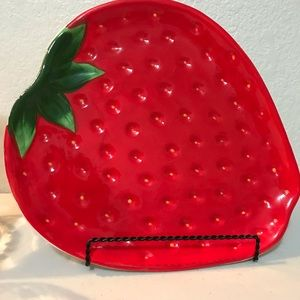 Accents - Strawberry plate